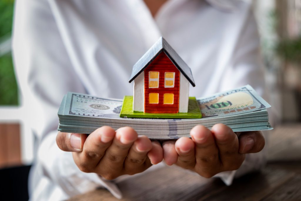 house cash offer photo